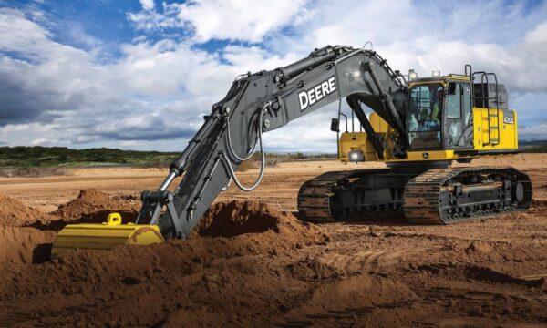 John Deere 470G LC Excavator