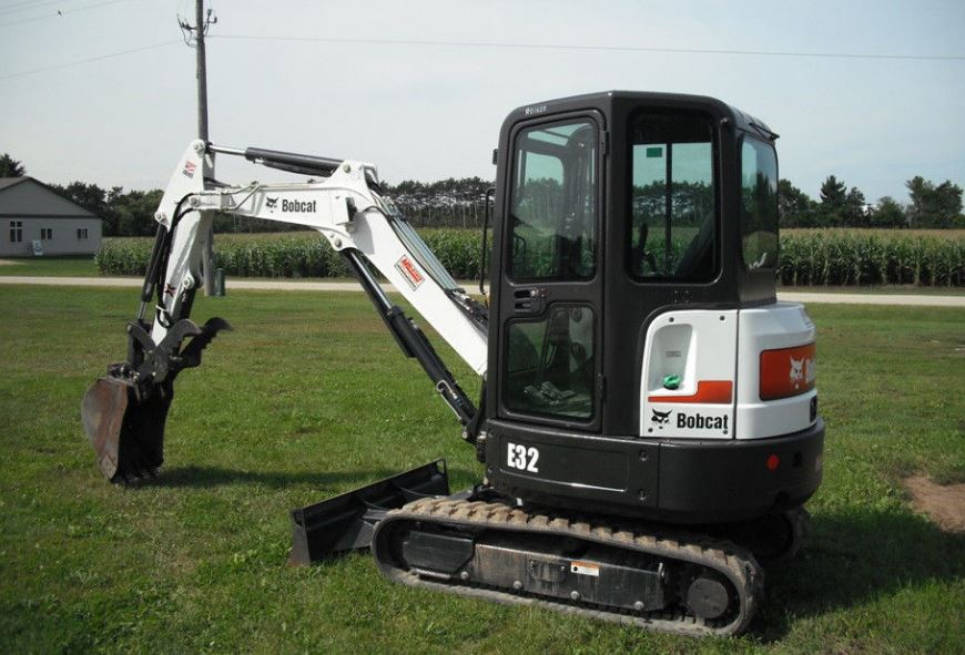 Bobcat E32 Mini Excavator Overview