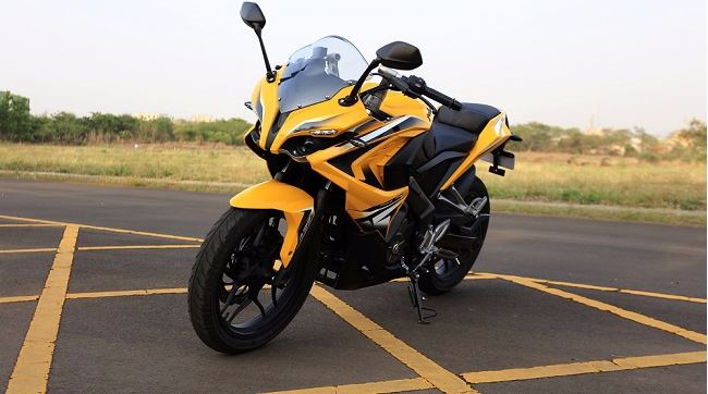 bajaj pulsar rs 200 Bike 7