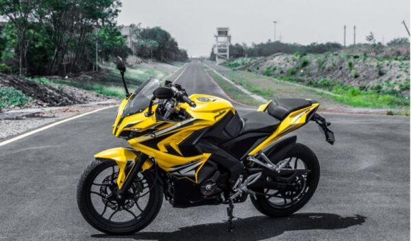 bajaj pulsar rs 200 Bike 8