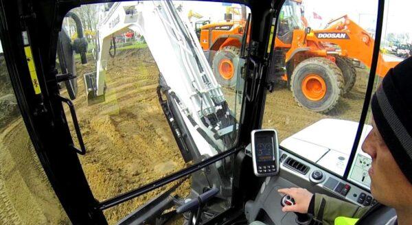 Bobcat E85 Mini Excavator Key Facts