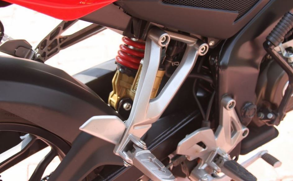 Bajaj Pulsar AS150 bike suspension