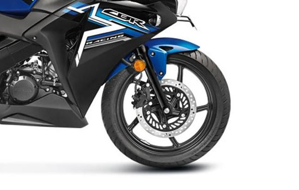 Honda CBR 150R brakes