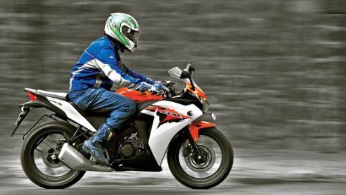 Honda CBR 150R mileage