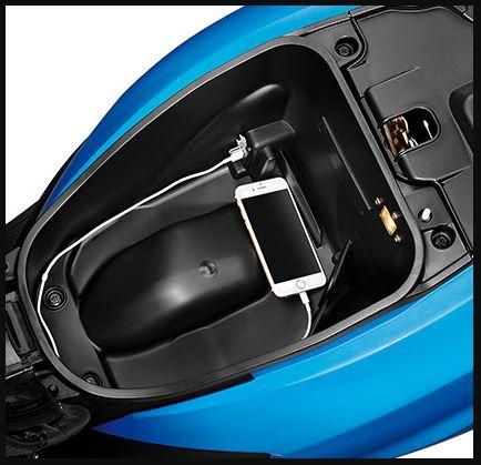 Hero Maestro Edge 125 scooter storage